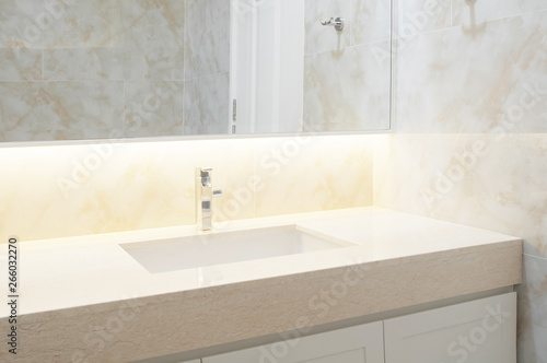 Pinturas sobre lienzo  Counter top white,beige marble with washbasin
