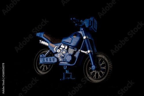 mata magnetyczna Close-up of cross motorbike motorcycle toy