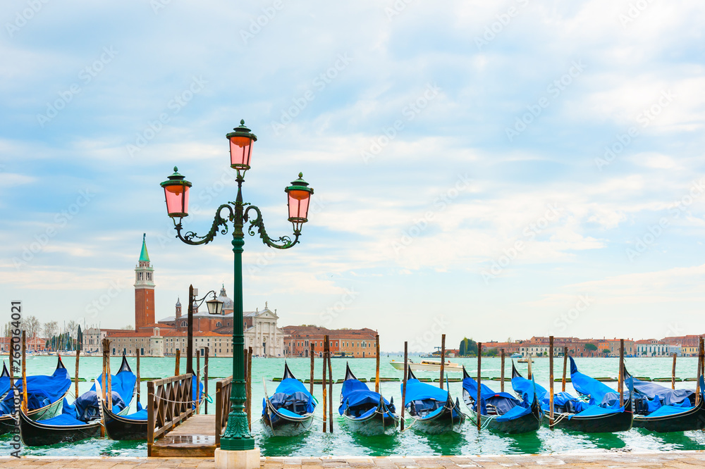 Fototapety, obrazy: Beautiful promenade of the Grand canal near San Marco square in Venice, Italy.
