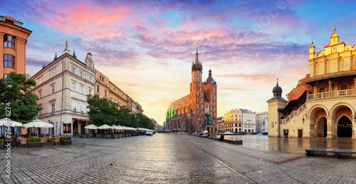 Obraz Panorama Krakowa o wschodzie słońca, Polska - fototapety do salonu