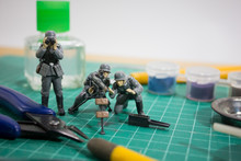 Painting Plastic Model WW2 Ger...