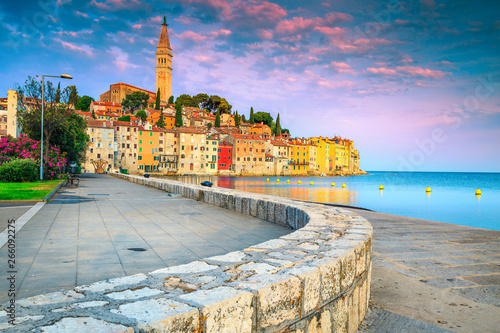 Foto auf AluDibond Flieder Rovinj harbor and old town with colorful buildings at sunrise