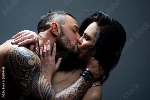 Passionate couple kissing Fototapeta