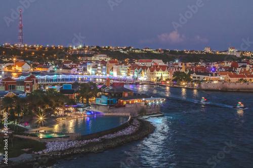 Fototapety, obrazy: Hafen von Willemstaad bei Nacht, Karibik