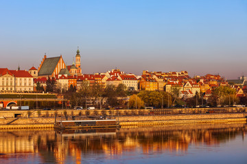 Fototapeta Wschód / zachód słońca Old Town in City of Warsaw at Sunrise