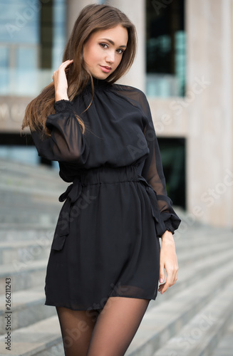 canvas print motiv - lithian : High fashion brunette.