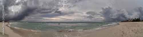 Photo Beautiful tropical beach before the hurricane