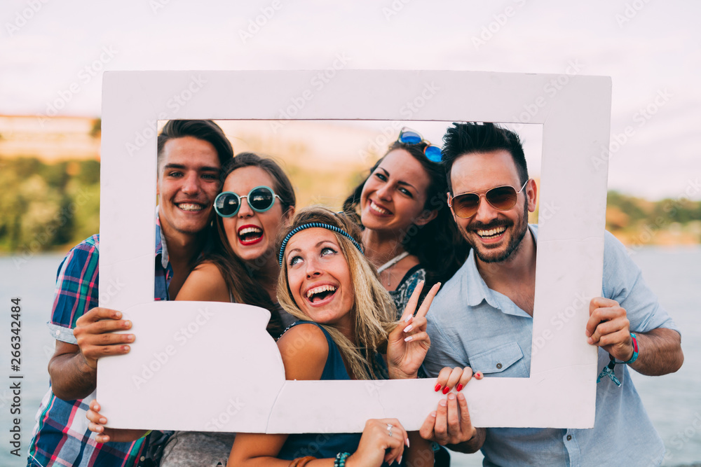Fototapety, obrazy: Group of young happy friends having fun time