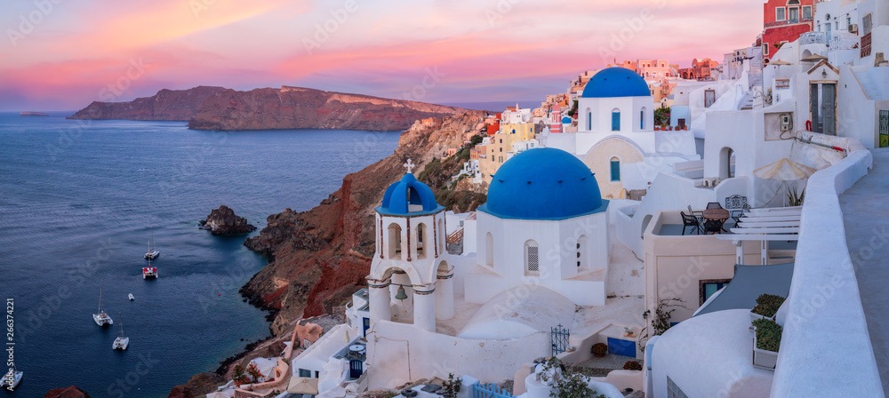 Fototapety, obrazy: The famous three blue domes in Santorini at sunset