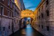 Venedig Seufzerbrücke Blaue Stunde am Abend