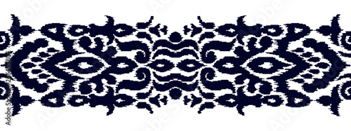 Foto auf AluDibond Boho-Stil Colorful ikat stripe pattern in vintage ethnic style on white background. Baroque seamless ornament. Modern vector design. Creative oriental embroidery.
