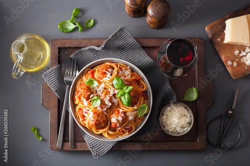 Foto op Plexiglas Londen spaghetti with meatballs and tomato sauce, italian pasta