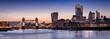 canvas print picture - Weites Panorama der Skyline von London am Abend: vond er Tower Bridge über die Themse bis zum Finanzbezirk City