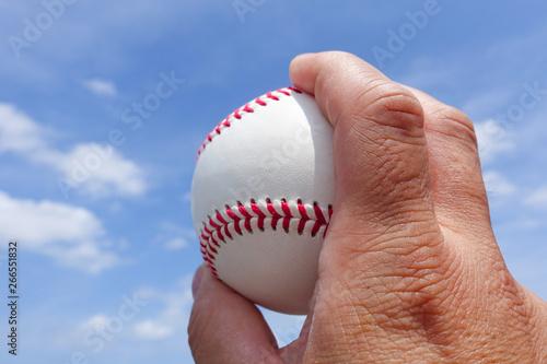 ボールを持った右手