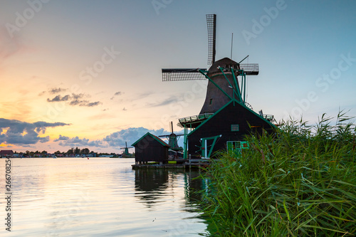 Fototapety, obrazy: Traditional Dutch windmills at dusk, Zaanse Schans, Amsterdam