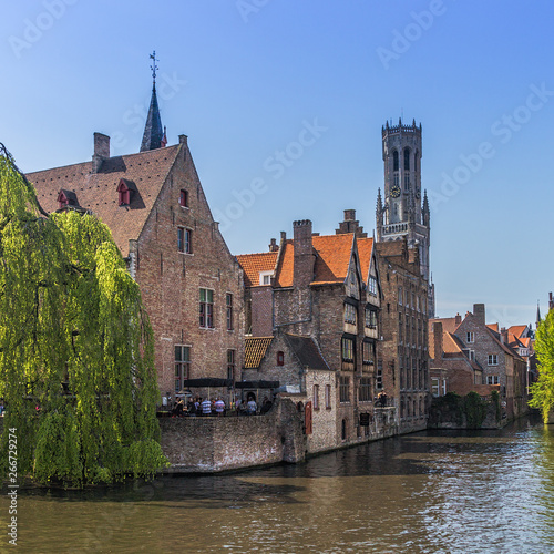 Poster Brugge Beautiful canal and traditional houses in the old town of Bruges