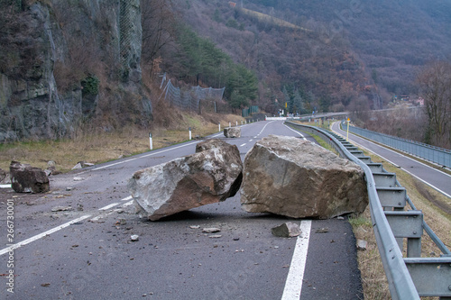 Fotografie, Obraz rockfall on the mainroad in dolomites area, northern Italy