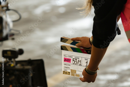 Obraz na plátně  Klappe bei Beginn der Filmaufnahme