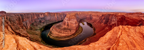 Leinwand Poster Horseshoe Bend Canyon and Colorado river in Page, Arizona, USA