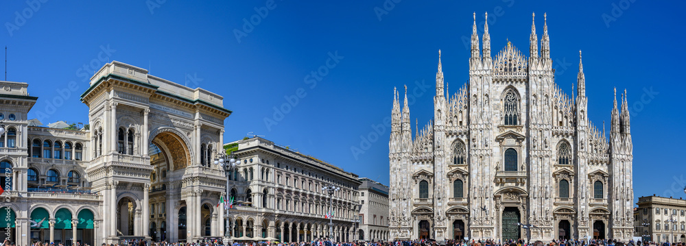 Fototapety, obrazy: View Cathedral Duomo and Galleria Vittorio Emanuelle in Milan, Italy.