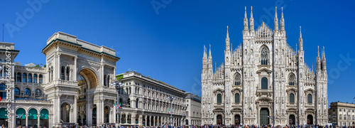 Photo View Cathedral Duomo and Galleria Vittorio Emanuelle in Milan, Italy