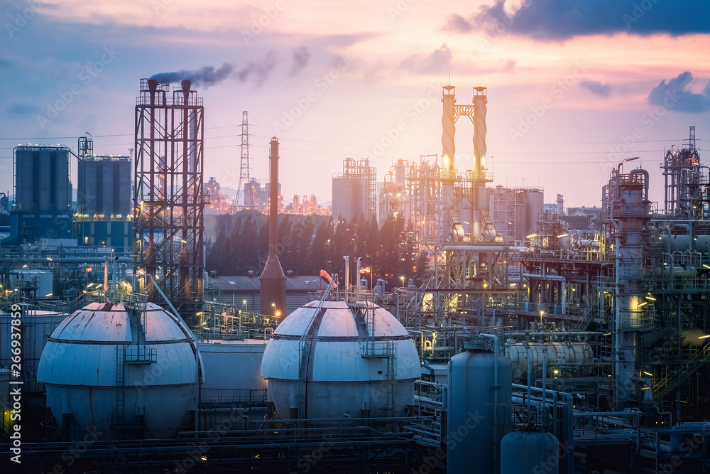 Fototapety, obrazy: Gas storage sphere tanks in petrochemical industry or oil and gas refinery plant at evening