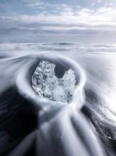 Huge Block Of Ice On Coast In ...
