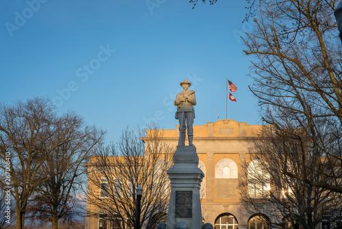 Photo Confederate statue downtown Bentonville, Northwest Arkansas, Statue of confedera