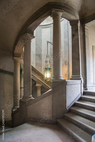 Photo scala in un palazzo antico