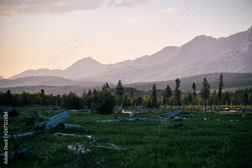 Fotografia  Meadow at Sunset in Polebridge, Montana in Northwest Glacier National Park