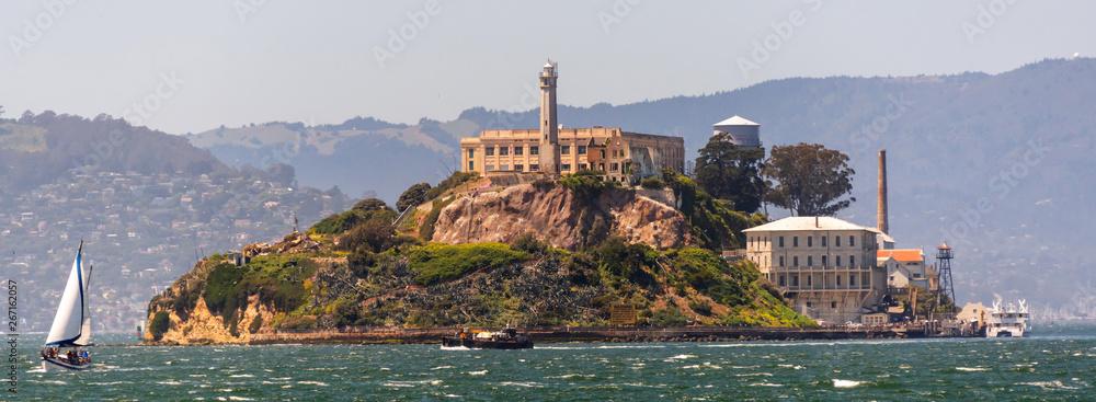 Fototapety, obrazy: Alcatraz island at San Francisco Bay