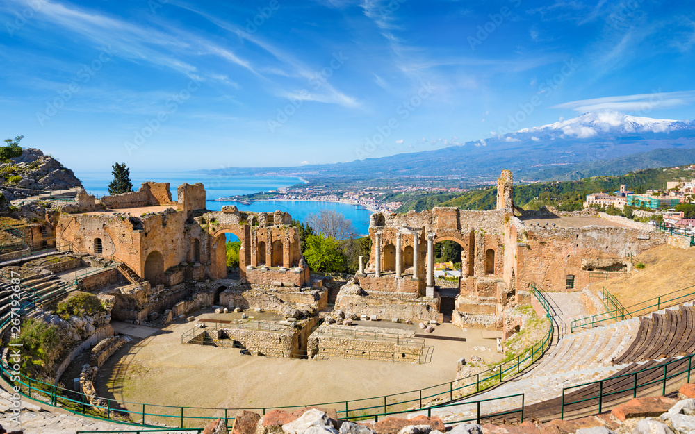Fototapety, obrazy: Ancient Greek theatre in Taormina on background of Etna Volcano, Italy