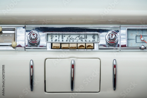 Classic old radio in a Ford Edsel Canvas Print