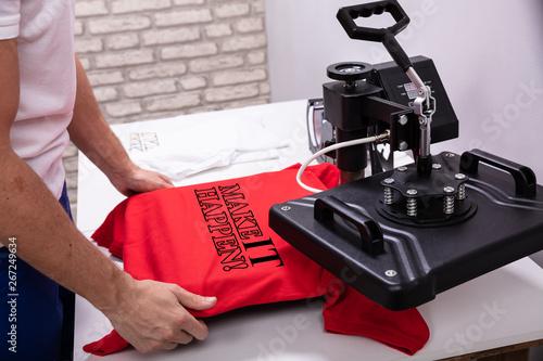 Fotografie, Obraz  Printing on t shirt in workshop