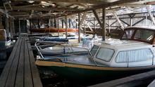 Boote Im Bootsschuppen
