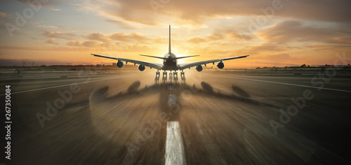 Fotografija  Huge two storeys commercial jetliner taking off