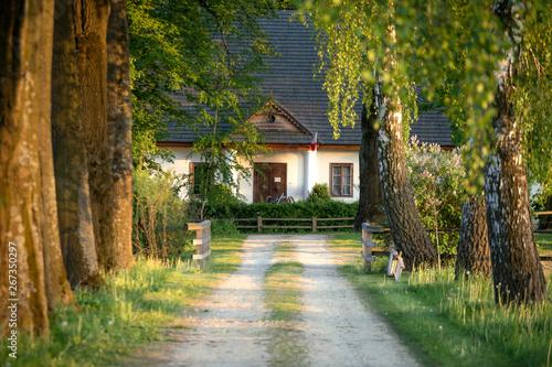 Fototapeta Beskid Wyspowy - Dwór w Świdniku - Karpaty obraz