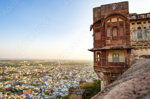 Stunning view of the ancient Mehrangarh Fort during a beautiful sunset with the blue city of Jodhpur in the background, Rajasthan, India Canvas-taulu