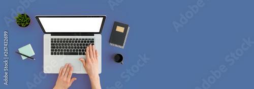 Valokuva  Man working on laptop