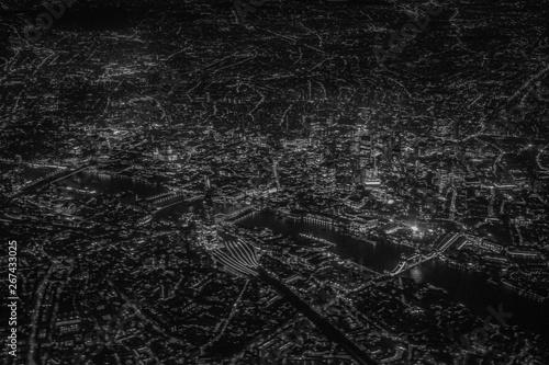 飛行機から見えるロンドンの夜景