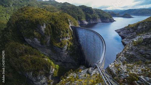 Obraz na plátně wide view of strathgordon dam in tasmania