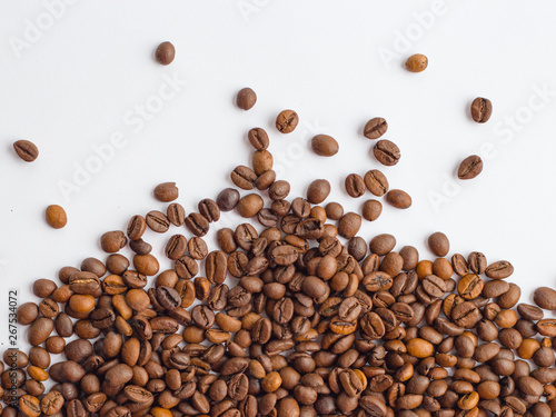 Poster Café en grains Coffee beans isolated on white background with copy space for text, macro
