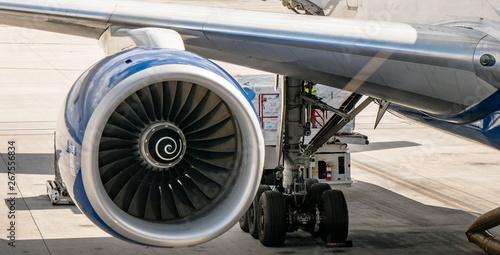 Foto op Aluminium Vliegtuig British Airways Boeing 777 aircraft being loaded at Las Vegas McCarran Airport for flight to the UK
