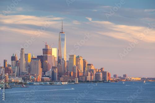 Cuadros en Lienzo New York City midtown Manhattan sunset skyline panorama view over Hudson River