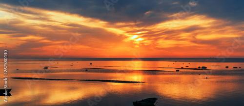 baltic-sea-early-morning-sunrise-over-the-sea