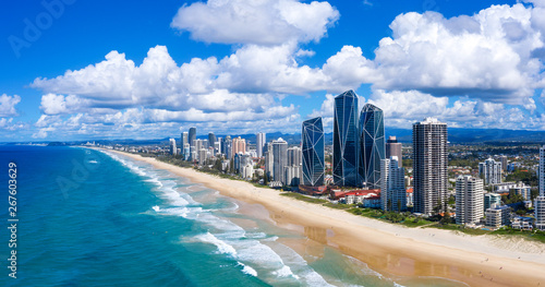 Tuinposter Kust Sunny view of Broadbeach on the Gold Coast