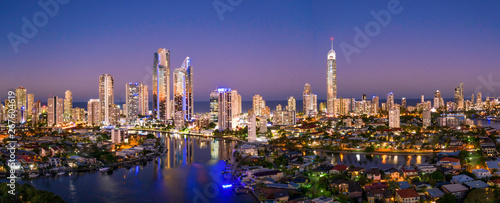 Poster Cote Panoramic sunset view of Surfers Paradise on the Gold Coast looking from the west