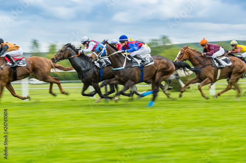 Poster Paarden Horse racing outdoor derby