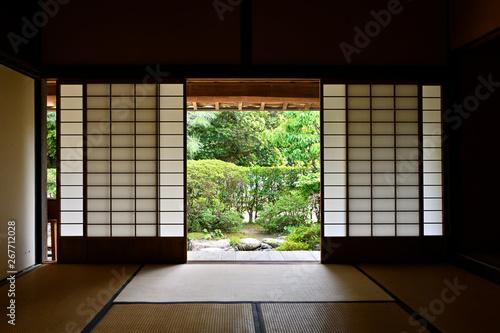 Slika na platnu 武家屋敷の居間から眺める中庭