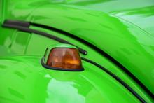 Grasgrüner VW Käfer - Detail...